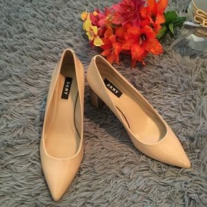 DKNY Pointed Toe Heels Nude Size 7.5